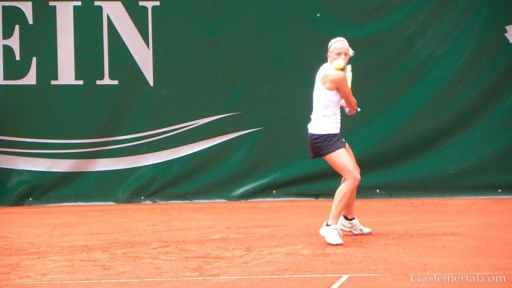 Ekaterina Dzehalevich (BLR) vs. Janina Toljan (AUT)
