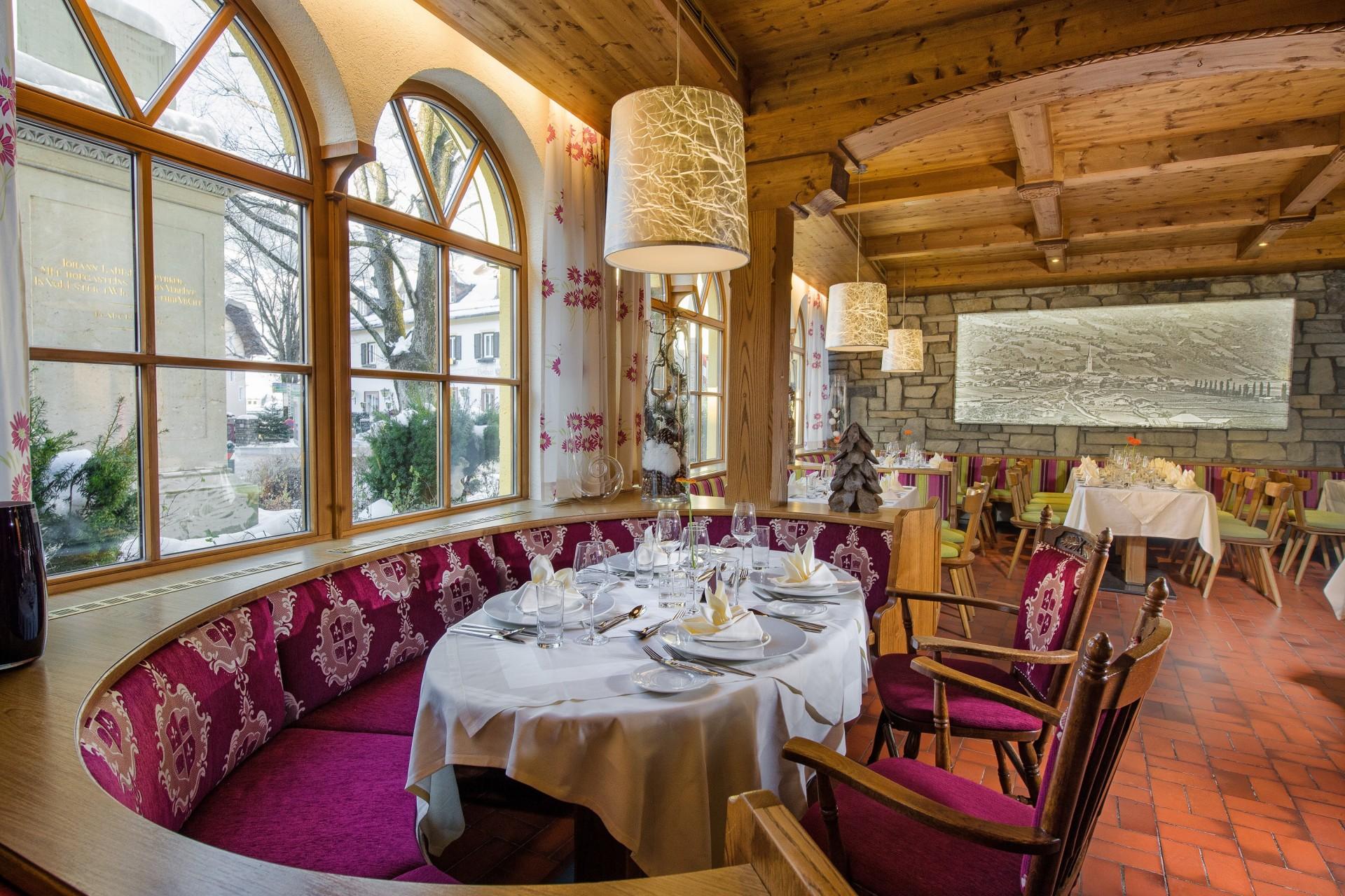Booking last minute ski holidays